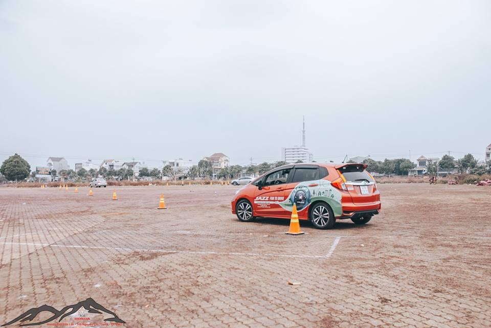 Kinh nghiệm lái xe ô tô an toàn cho người mới lái 53932275 2104990696258610 9060266599340048384 n